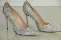 New Manolo Blahnik BB 105 Silver Crystals Jeweled Pumps Wedding Shoes 40 41 Silver Wedding Shoes, Bridal Wedding Shoes, Manolo Blahnik Hangisi, Jeweled Shoes, Pump Shoes, Pumps, Shoes Heels, High Heels, Sandal Heels