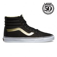 In celebration of 50 years Off the Wall, the 50th Anniversary collection honors the timeless style, legendary ambassadors, and iconic moments that have led to Vans becoming known as the brand that has enabled creative expression since 1966. Featuring stu
