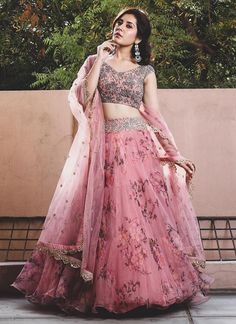 Indian Wedding Gowns, Party Wear Indian Dresses, Party Wear Lehenga, Indian Bridal Outfits, Party Dresses, Bridal Lehenga, Choli Designs, Lehenga Designs, Blouse Designs