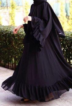 Abaya Style 137641332347235379 - Source by yetenekmeselesi Burka Fashion, Modest Fashion Hijab, Modern Hijab Fashion, Iranian Women Fashion, Muslim Fashion, Abaya Designs Dubai, Burqa Designs, Abaya Mode, Hijab Stile