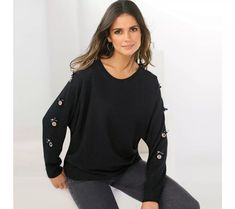 Pulovr s dlouhými netopýřími rukávy | vyprodej-slevy.cz #vyprodejslevy #vyprodejslecycz #vyprodejslevy_cz #sweater #svetr #pulover #pulovr Bell Sleeves, Bell Sleeve Top, Bikini, Shoulder, Women, Fashion, Neckline, Full Sleeves, Black