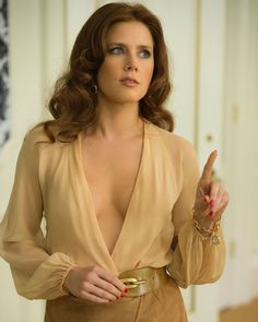 Amy Adams in American Hustle What's your favorite movie of hers?⚡️Tag a friend! American Hustle Amy Adams, American Hustle Fashion, 70s Glam, Millie Bobby Brown, Best Actress, Costume Design, Beautiful Actresses, Pretty Woman, Beauty Women