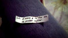 """Esto me salió en una galleta de la suerte: """"Sólo el amor y la tos no se pueden ocultar""""....¿Rola? e.e <3"""