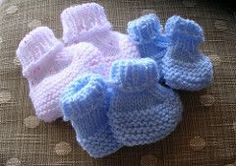 Overall design is based on Michelle's Preemie-Newborn booties pattern but uses the magic loop or two-circular needle method to make them totally seamless.