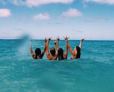How to Take Good Beach Photos Beach Vibes, Summer Vibes, Summer Pictures, Beach Pictures, Best Friend Goals, Best Friends, Good Vibe, Best Friend Pictures, Friend Pics