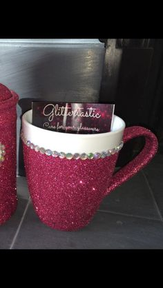 Glitter glass... glitter coffee mug with gems. Purchase online at www.facebook.com/theglitterroom Glitter Wine Glasses, Glitter Mason Jars, Shimmer N Shine, Vinyl Cutting, Creative Things, Cute Crafts, Vinyl Designs, Facebook, Glass Bottles