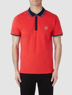 Identity SELECTED Homme - Regular fit - 95% Baumwolle, 5% Elastan - Regular Kragen - Drei Knöpfe - Rippkanten in verschiedenen Farben - Schlitz an beiden Seiten - Raglan-Ärmel - Emblem auf der Brust. Das Model ist 189 cm und trägt Größe L.  Hier bekommst du ein klassisches Polo-Shirt – aber mit Pepp. Die vielen Farben verleihen dem Polo-Shirt Lebendigkeit, die perfekt zu den kommenden Sommert...