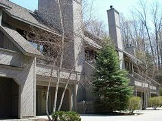 Enjoy your stay at this luxury 4 bedroom, 3 bathroom condo in Harbor Springs, Michigan for your vacation getaway! This condo provides air conditioning, fireplace, washer, dryer, heating, linens, kitchen amenities, master bedroom and so much more.  http://www.rentalago.com/vacation-rental-home.asp?PageDataID=83471 #vacation #vacationrentals #michigan #harborsprings #greatlakes