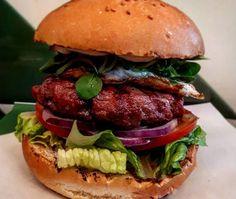 Krønen Eco Burger – Food Valencia Burger Food, Burger Recipes, Valencia, Hamburger, Chicken, Ethnic Recipes, Hamburgers, Hamburger Recipes, Loose Meat Sandwiches
