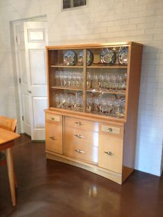 Stanley China Cabinet Hutch CabinetHutchDining Room