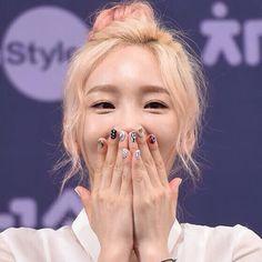 via | __taeyeon_ss IG #taeyeon #snsd