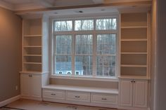 Window seat built in ideas. - Alicia Window seat built in ideas. Window seat built in ideas. Bookshelves Built In, Built Ins, Bookshelf Bench, Bookshelf Ideas, Bookcases, Shabby Chic Bookcase, Dining Room Bench Seating, Kitchen Seating, Room Deco