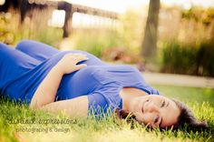 beautiful summer maternity photo.  Distinct Expressions Photography & Design #de_photodesign