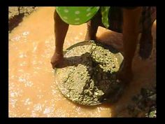 (2) Mujer Minera en Suárez- Cauca.wmv - YouTube Pudding, Desserts, Youtube, Food, Woman, Tailgate Desserts, Deserts, Eten, Puddings