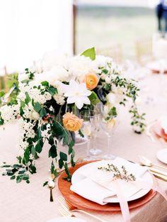 Rust + blush hued wedding table: http://www.stylemepretty.com/new-york-weddings/garrison/2016/01/05/blush-gold-black-tie-wedding/ | Photography: Christina Zen - http://christinazen.com/