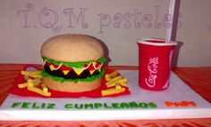 Torta Hamburguesa  Burger cake Hamburger, Decoration, Ethnic Recipes, Hamburgers, Food Cakes, Decor, Dekoration, Decorations, Embellishments