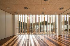 Bordallo y Carrasco Arquitectos, Yelca, Spanien, Multifunktionszentrum, Fassade, Holz, Vegetation, Landschaftsgestaltung, Innenraum