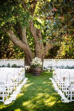 Colorful Summer Wedding at Bedell Cellars