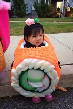 Funny pictures about The cutest piece of sushi you'll see today. Oh, and cool pics about The cutest piece of sushi you'll see today. Also, The cutest piece of sushi you'll see today. Costume Sushi, Sushi Halloween Costume, Mexican Costume, Halloween Cosplay, Cosplay Costumes, Cute Kids, Cute Babies, Funny Kids, Fun Funny