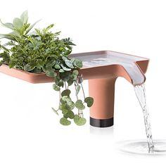 Viherkasvit ovat löytäneet tiensä myös kylpyhuoneeseen. Allashana: Hansgrohen näkemys tulevaisuuden hanasta │ Laattapiste