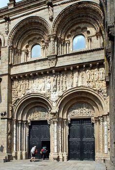Puerta de la Platerias, Santiago Cathedral. Michael Krier Romanesque Art, Romanesque Architecture, Architecture Old, Historical Architecture, Architecture Religieuse, San Giacomo, Spain And Portugal, Pilgrimage, Romans