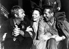 "Steve McQueen, Faye Dunaway y Paul Newman en ""El coloso en llamas"", 1974"
