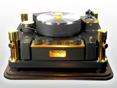 A closer look at the venerable Thorens Reference turntable 1