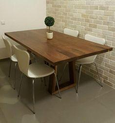 שולחן פינת אוכל דגם 'גותי' Dining Room, Dining Table, Furniture, Design, Home Decor, Decoration Home, Room Decor, Dinner Table