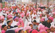Rahul leads farmers' anti-govt rally in Delhi