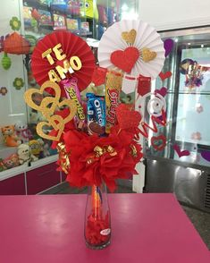 Valentine Decorations, Valentine Crafts, Love Gifts, Diy Gifts, Valentines Day Baskets, Teddy Bear Gifts, Bff Birthday Gift, Balloon Centerpieces, Chocolate Bouquet