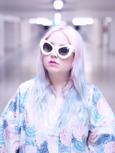 Lazy Kat: Retro Mod Super Trendy Women's Fashion Cat Eye Sunglasses 9233