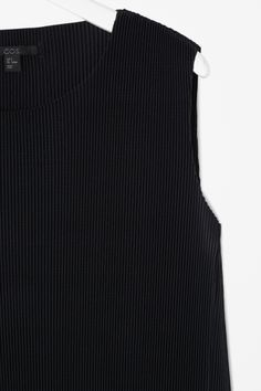 Finely pleated dress | COS