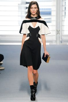 Louis Vuitton Fall 2014 Ready-to-Wear Fashion Show - Iana Godnia (Elite)