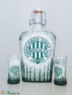 Ftc dísz- és használati csatos üveg  röviditalos pohárral foci rajongói ajándék. (Biborvarazs) - Meska.hu Ac Milan, Manchester United, Subaru, Arsenal, Liverpool, Vodka Bottle, Chelsea, Drinks, Man United