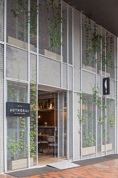 restaurant facade Gallery of Authoral Restaurant / BLOCO Arquitetos - 8 Restaurant Exterior Design, Restaurant Facade, Architecture Restaurant, Design Exterior, Facade Design, Facade Architecture, Chinese Architecture, Futuristic Architecture, Exterior Paint