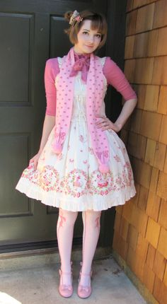 lavenderlilly:    JSK: BtSSB Thumbelina print  cutsew: Jane Marple  scarf & socks: Angelic Pretty  shoes: Secret Shop