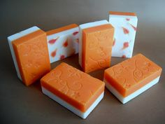 Jabones Ramy: Texturizados. Love the textured orange & white with hearts.
