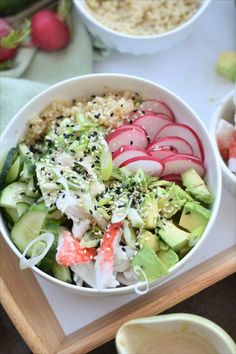 the 4 Cycle Solutions Japanese Diet - Bol Sushi goberge et sauce style Wafu sur lit de quinoa Raw Food Recipes, Asian Recipes, Cooking Recipes, Healthy Recipes, Clean Eating Diet, Healthy Eating, Carb Cycling Diet, Japanese Diet, Vegan Sushi
