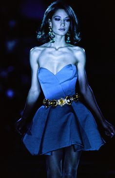 Versace Fall 1991 Ready-to-Wear Fashion Show - Marpessa Hennink