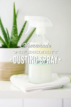 When it comes to describing a dusting spray, the last thing most people think about is the phrase two-ingredient. In fact, just trying to learn about the exact ingredients used in commercial dusting s Homemade Cleaning Products, Cleaning Recipes, Natural Cleaning Products, Cleaning Hacks, Cleaning Solutions, Cleaning Supplies, Tea Tree Essential Oil, Lemon Essential Oils, All You Need Is