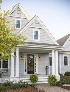 House Exterior Color Schemes, House Paint Exterior, Exterior Paint Colors, Paint Colors For Home, Gray Exterior Houses, Best House Colors Exterior, Siding Colors For Houses, Craftsman Exterior, Grey Exterior