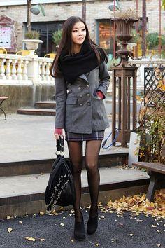 Korean Fashion – How to Dress up Korean Style – Designer Fashion Tips Korean Fashion Online, Womens Fashion Online, Asian Fashion, Fashion Tights, Fashion Outfits, Pantyhosed Legs, Elegantes Outfit, Korean Women, Lolita Fashion