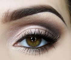 Light smokey eyes