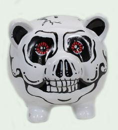 skull piggy bank. Your favourite piggy banks: http://www.helpmetosave.com/2012/02/piggy-bank/