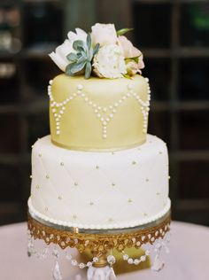 Gold and White Wedding Cake    MARIEL HANNAH   CACTUS AND TROPICALS   http://knot.ly/6492Bt0s6