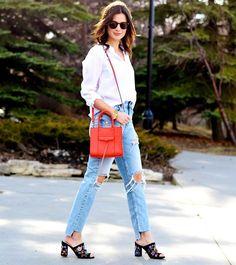 """607 Likes, 3 Comments - Look du jour (@lookdujour_ca) on Instagram: """"Une paire de jeans et une chemise blanche, c'est trop ordinaire? Ajoutez-y un sac à main et des…"""""""