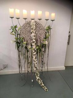 Bildergebnis für floral designs with circles Unique Flower Arrangements, Unique Flowers, Floral Centerpieces, Flower Show, Flower Art, Art Floral, Gregor Lersch, Different Forms Of Art, Flora Design