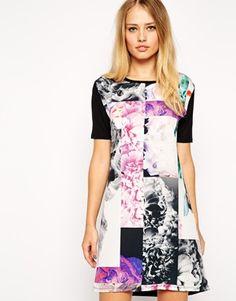 17 (44) ASOS | Vestido estilo camiseta con estampado floral fotográfico de ASOS en ASOS