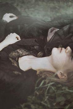 Schmerz by Michalina Woźniak, via Behance