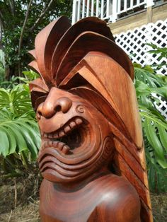 Koa Tiki by Phil Henson Tiki Hawaii, Hawaiian Tiki, Wood Carving Art, Wood Carvings, Tiki Head, Tiki Statues, Bamboo Structure, Tiki Lounge, Tiki Mask